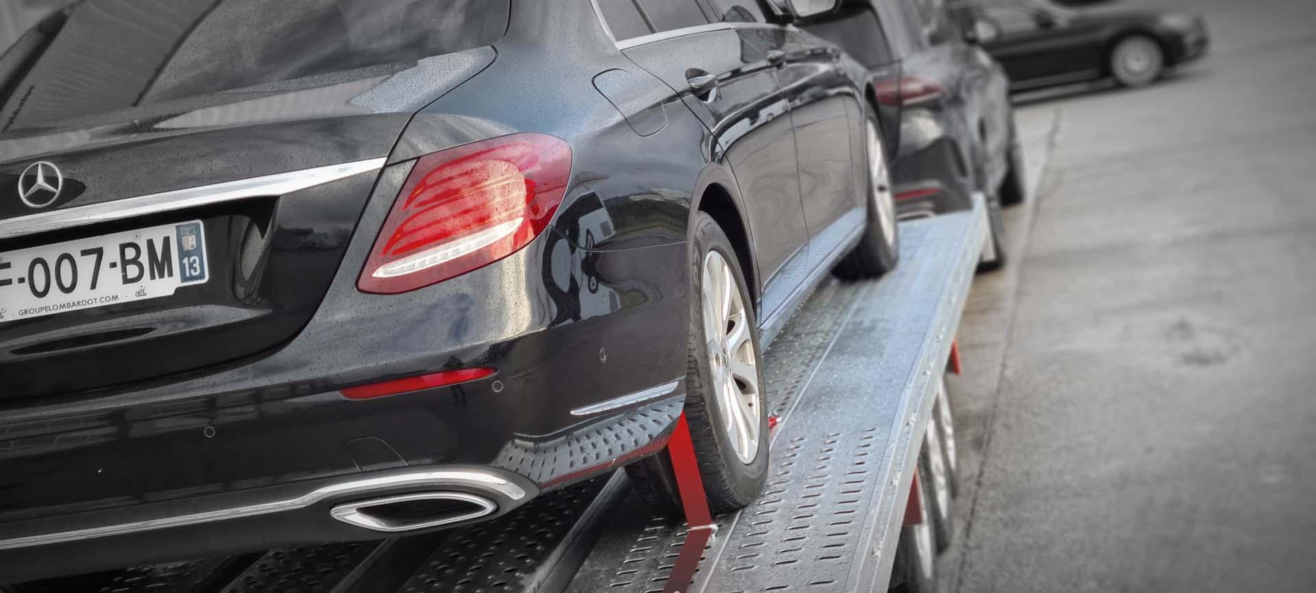 Transport de voiture sur remorque